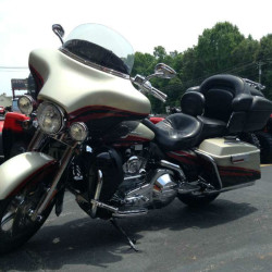 2006 H-D CVO Screamin' Eagle Ultra Classic Electra Glide 1