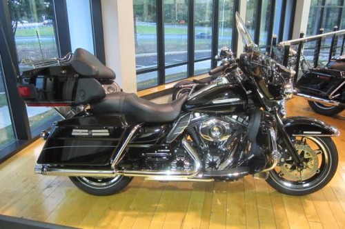 2013 BRAND NEW CUSTOMIZED Harley-Davidson® FLHTK